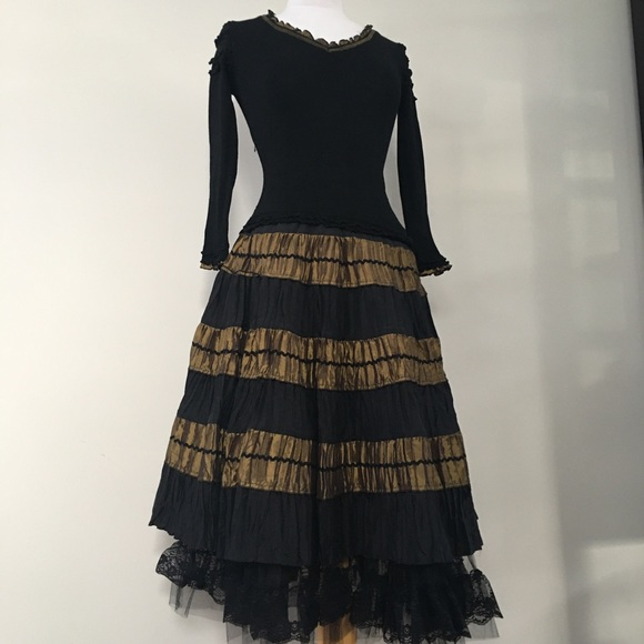 Black and Gold ruffle dress size 42 (S/M)
